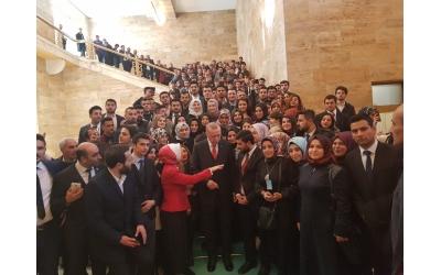 GEDER Üyeleri, Malatya Milletvekili Sn. Öznur Çalık öncülüğünde Sn. Cumhurbaşkanımız Recep Tayyip Erdoğan ile bir araya geldi.